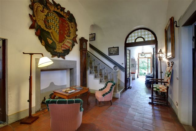 Entrance of Villa le Barone, a country house hotel in Chianti