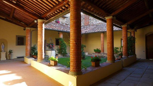 San Leolino's cloister