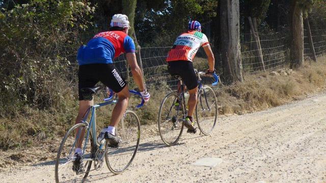 """""""l'Eroica"""": a race on dirt roads in Chianti"""