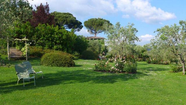 In Villa le Barone's gardens
