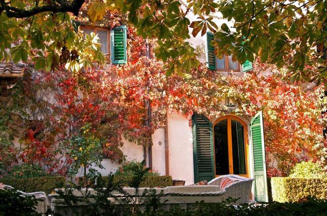 Villa le Barone autumn colors