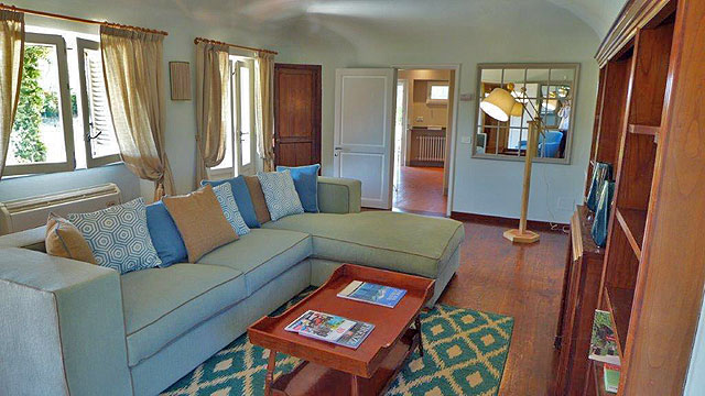 Villa il Rough on the Ugolino golf course in  Tuscany: the lounge