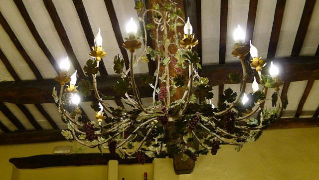 Craftmanship at Villa le Barone, Chianti: the chandelier in the  restaurant