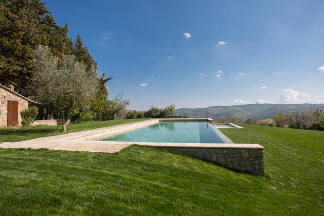 Infinity heated and salted pool at hotel Villa le Barone Tuscany